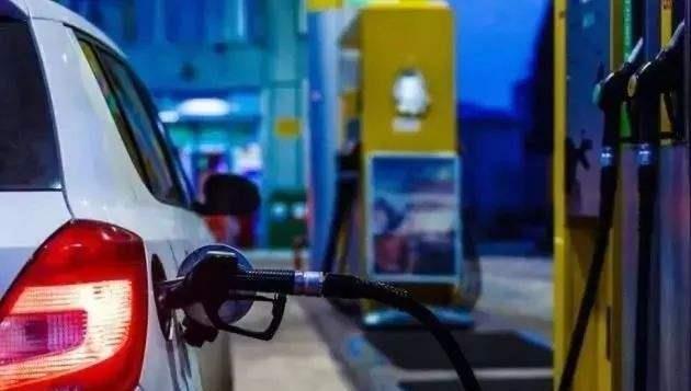 今晚迎来年内第三次油价上涨.jpg