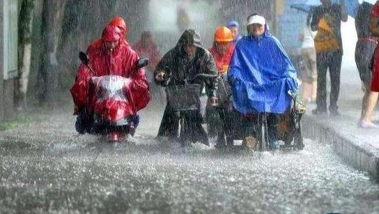 全国13省大暴雨.jpg