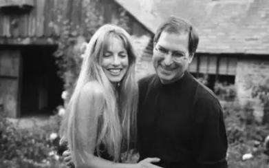 乔布斯遗产的继承问题      继承了史蒂芬·乔布斯全部遗产的神秘女人