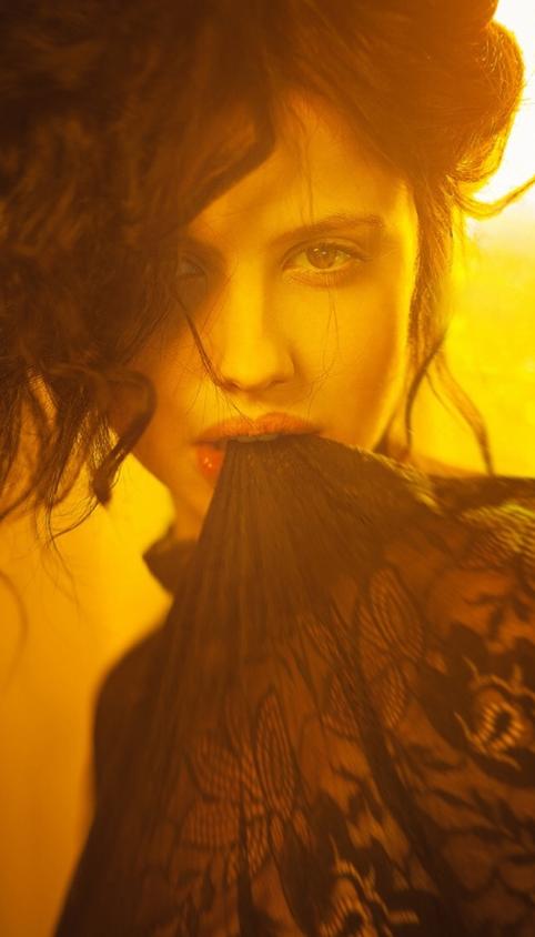 欧美性感红唇美女撩人写真