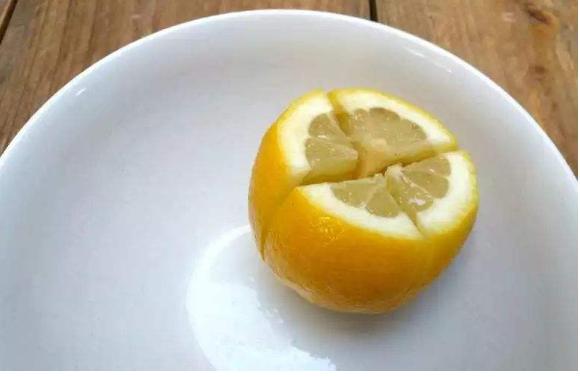 柠檬放床头有什么作用