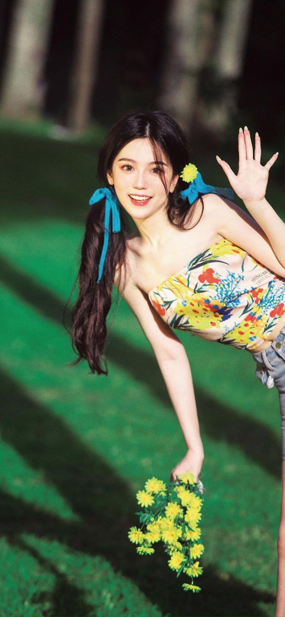 元气阳光青春少女甜美笑容户外写真