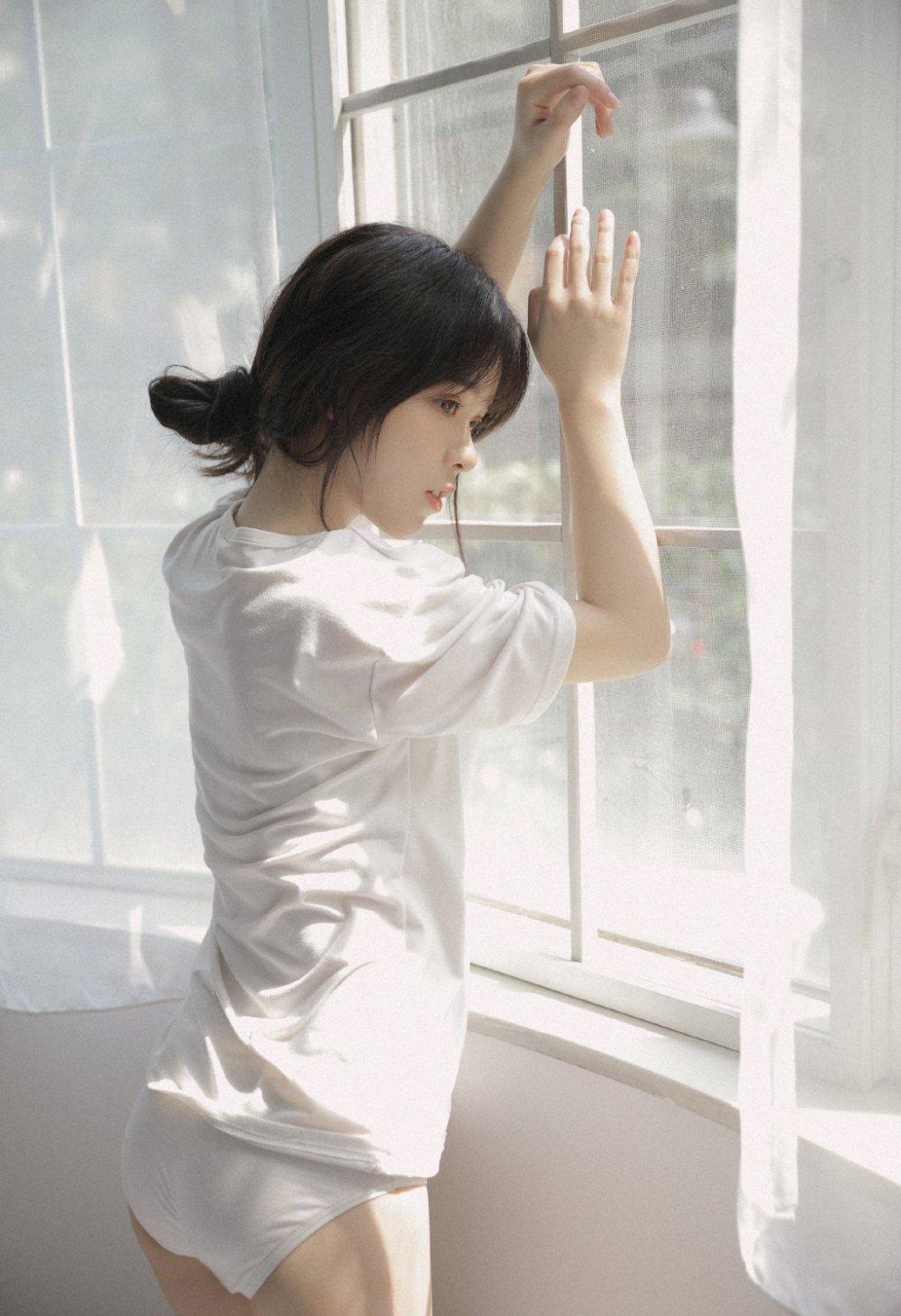白T恤美女清新淡雅清纯可爱私房写真