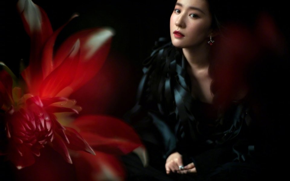 神仙姐姐刘亦菲成熟魅力时尚写真