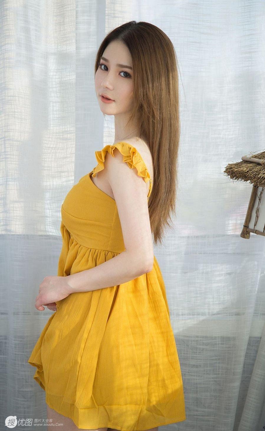 美女模特如歌fairy性感连衣裙私房写真