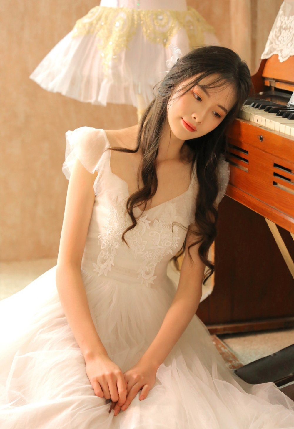 蕾丝裙小仙女华丽闺房私房写真