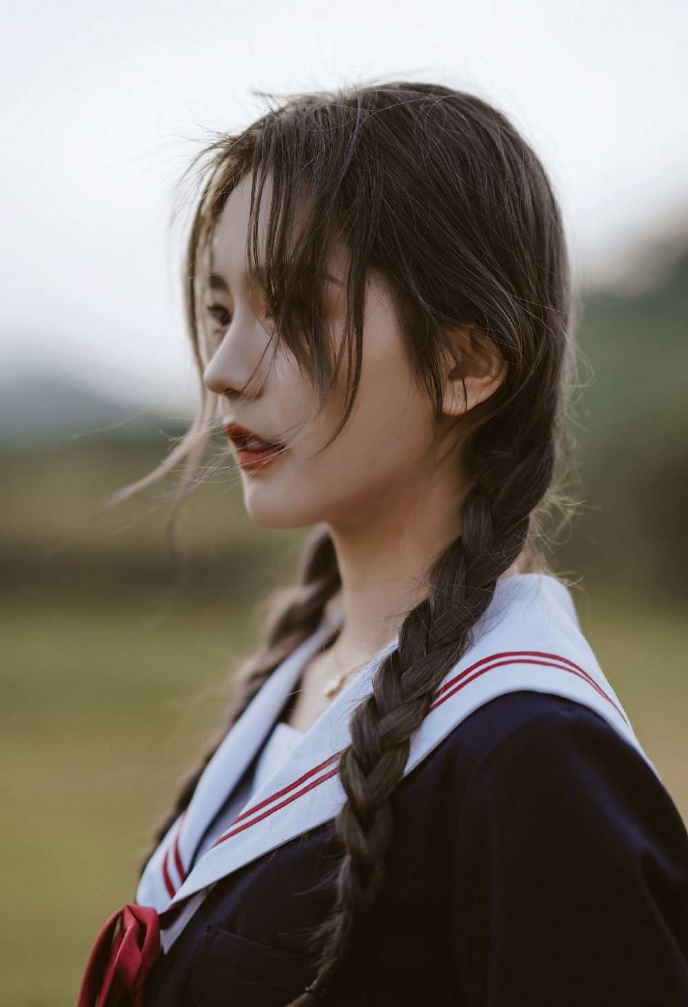 麻花辫日系美女JK水手服迷人写真