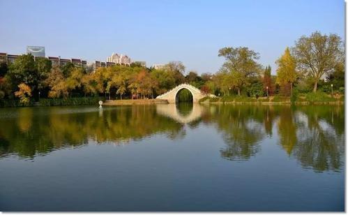 《【杏鑫在线娱乐注册】包拯让宋仁宗赐予庐州护城河的原因是什么?包河名字的来源》