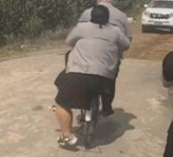 自行车承受了它不该承受的重量