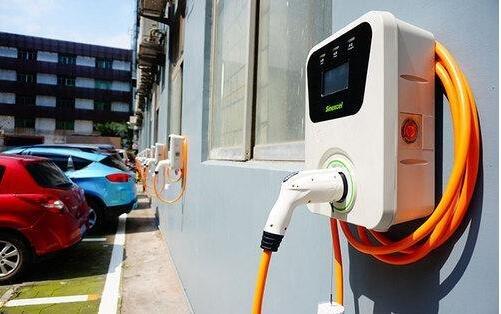 """""""新能源汽车""""连提7年后消失 新能源汽车如何打破僵局?"""