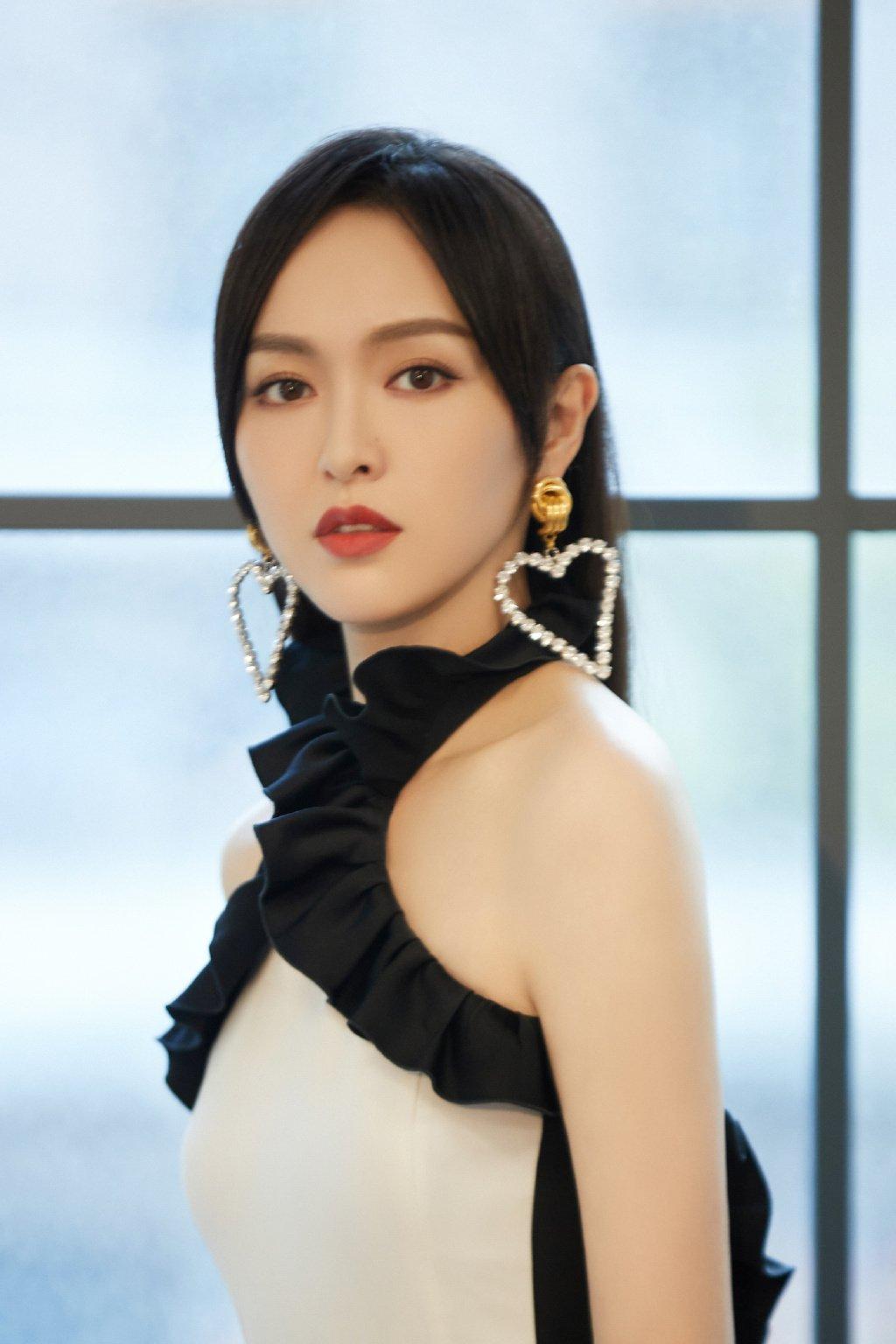 唐嫣连体裤甜飒时尚写真图片