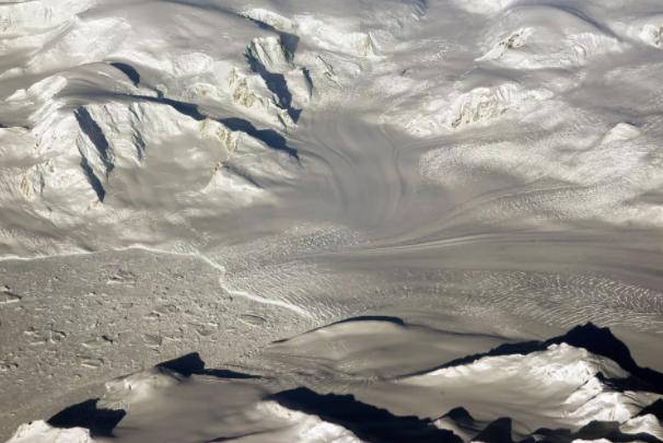 23.2亿年前氧气成为地球大气层永久特征,充氧和气候变化的顺序