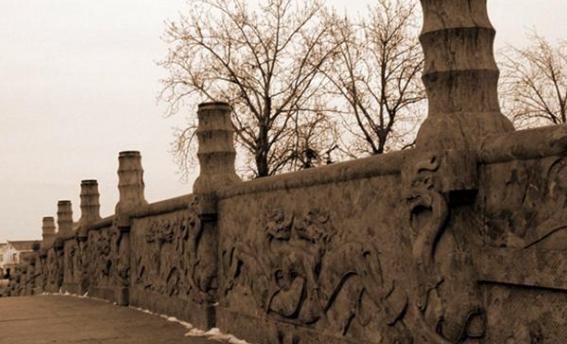 关于赵州桥的资料,其实现在的赵州桥早不是历史上的赵州桥了?