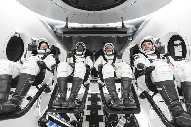 SpaceX再送宇航�T上不�^和他��鹛�空,SpaceX此次用的★是什麽�w船?