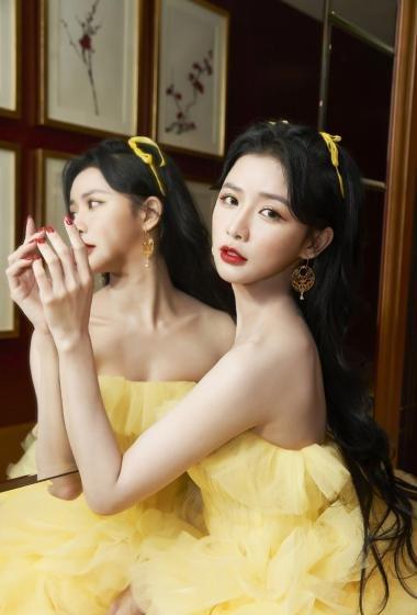 蔡卓宜淡黄长裙魅力性感图片写真