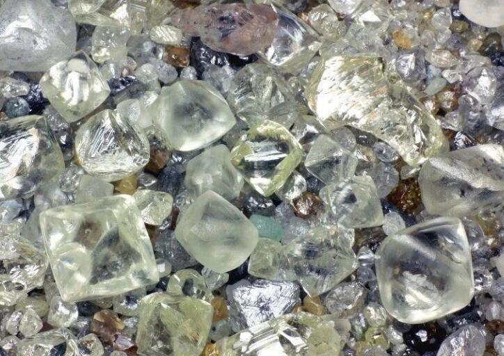 中国人造钻石产能约占全球一半是多少,全国产能到底有多大,天然钻石为什么那么贵呢