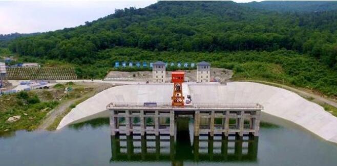 国内这座电站正式投产发电在哪建设,一年发电多少,此电站是新能源吗