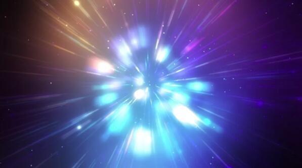 亚辐射现象中原子处于激发态吗?如何保持这些原子处于激发态呢