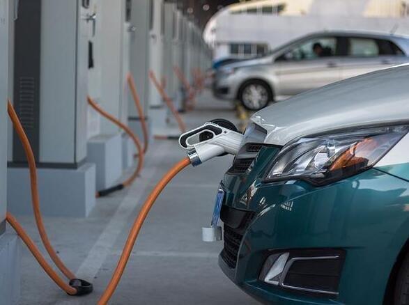 我国新能源汽车产销量连续六年全球第一及有哪些新能源汽车品牌,如何改变当前市场