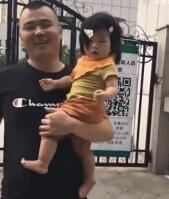 当爸爸打扮女儿