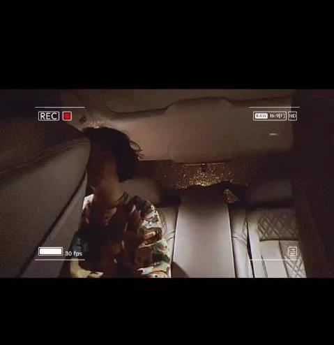 专车司机遇奇葩女乘客 送到单元门口被要求开上楼