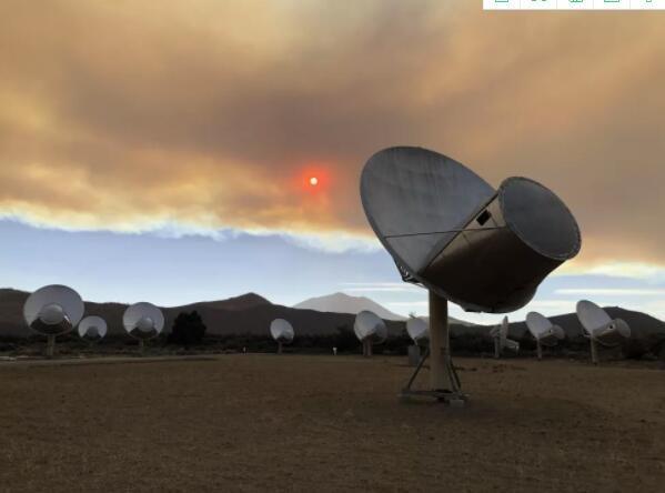 加利福尼亚州火灾发生在外星人狩猎射电望远镜阵列的数英里范围内