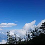 白云和黑土